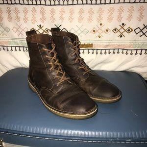 Clark's Originals Desert Mali Boot. Beeswax